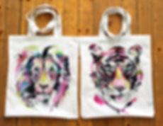 textile painting, textile art, power animals, animal art, tekstiilimaalaus, tekstiilitaide, eläintaide, voimaeläin, tiger, lion, canvasbag, tiikeri, leijona