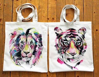 textile painting, textile art, power animals, animal art, tekstiilimaalaus, tekstiilitaide, eläintaide, voimaeläin, tiger, lion, canvasbag, tiikeri, leijona