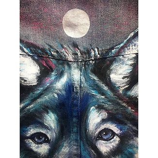 textile painting, textile art, power animals, animal art, tekstiilimaalaus, tekstiilitaide, eläintaide, voimaeläin, wolf