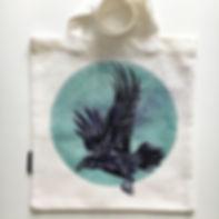 textile painting, textile art, power animals, animal art, tekstiilimaalaus, tekstiilitaide, eläintaide, voimaeläin, korppi, raven