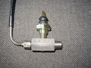 EUROPA油圧警告灯アダプター
