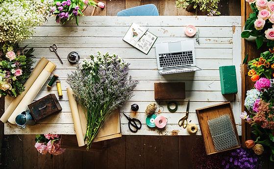 beautiful-fresh-flowers-flora-shop-work-