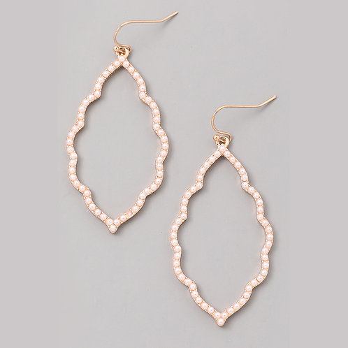 Pretty Pearl Quatrefoil Earrings