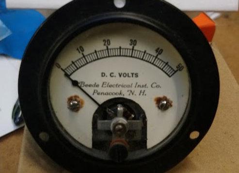 VOLTMETER GAUGE Beede Electrical INST 0-50 Volts DC