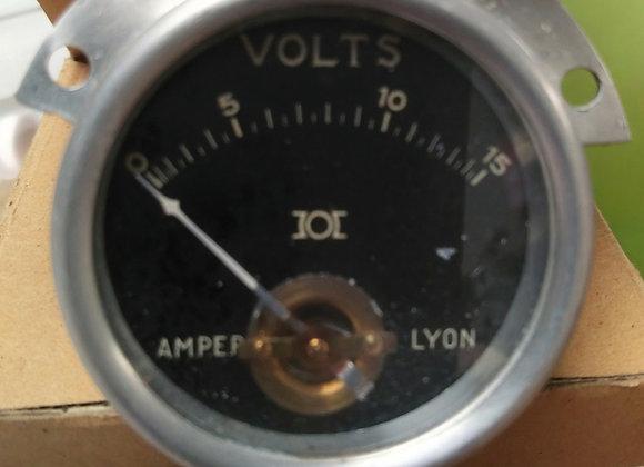 VOLTMETER GAUGE Amper Lyon 0-15V