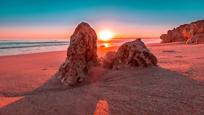 sunset-2450627_1920.jpg