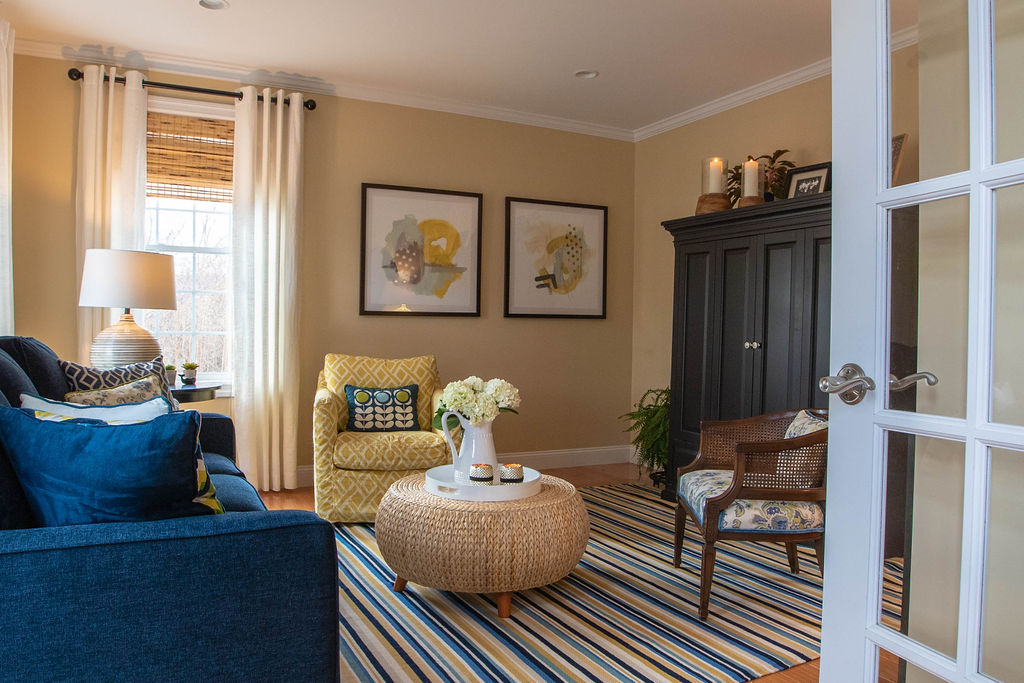 Blue & yellow living room design