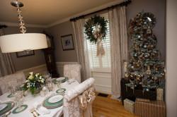 holiday decor, dining room