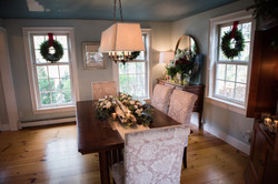 holiday dining room decor