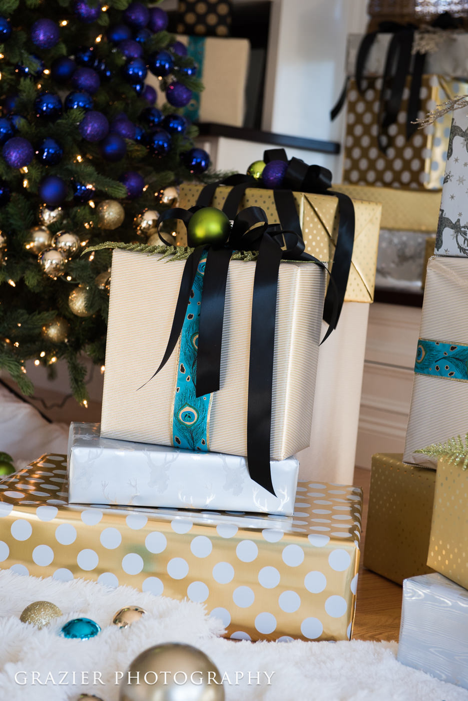 holiday decor, presents