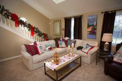 holiday decor, family room