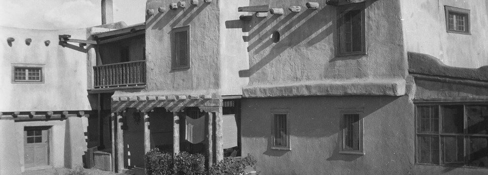 The Early Harwood Foundation 1923-1935  From the beginning, the Harwoods' home was the town's only library. When the Harwoods discovered Taos had no library, they opened their extensive private collection of books to the public.