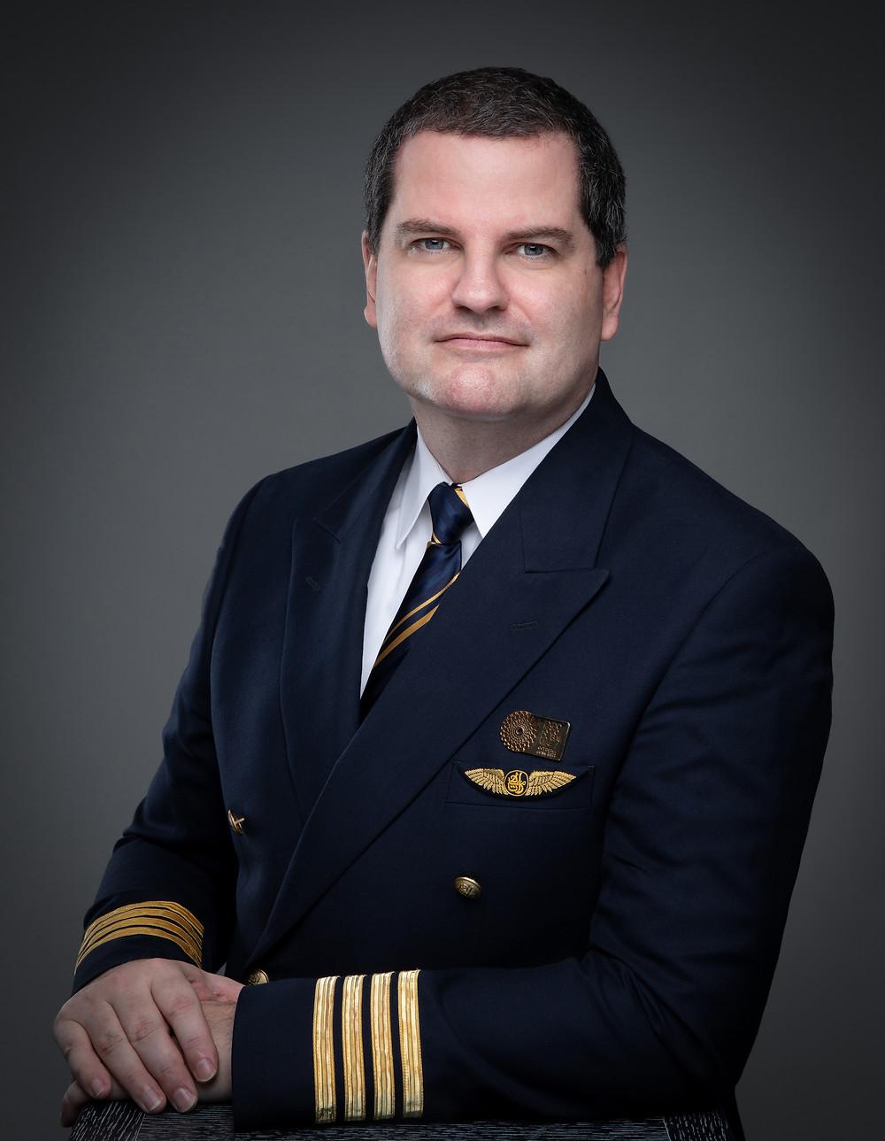 Headshot of a pilot in Dubai