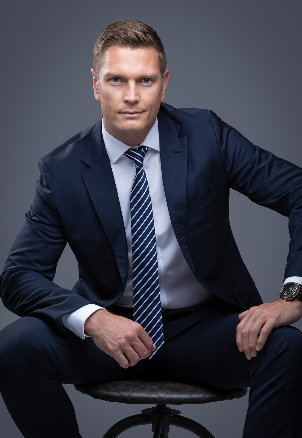 Corporate Headshot of a man in a suit in Dubai