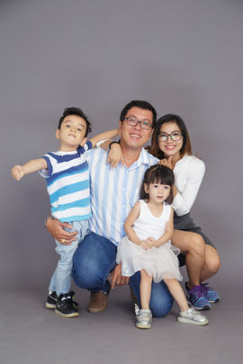 Smiling family portrait photography in Dubai and Abu Dhabi