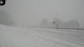 ☆☆最新情報☆☆3月16日は、メンテナンスの為、富山に行って来ましたが、途中(白川郷PA辺り)は、雪国でした。