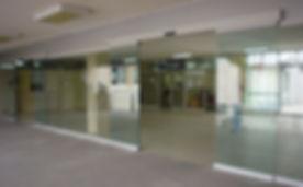 puerta automatica de cristal.jpg