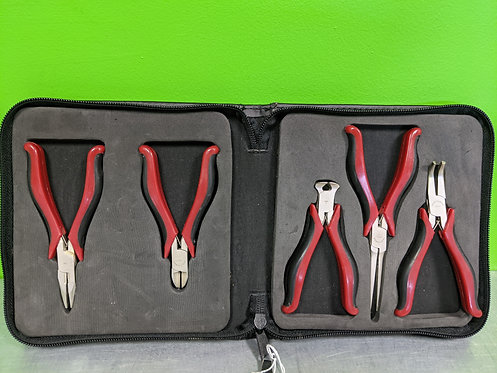 Craftsman Set Of 5 Pliers W/Case