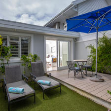 Private Garden with Deck & Sun Loungers
