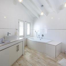 Double Basin & Large Bath