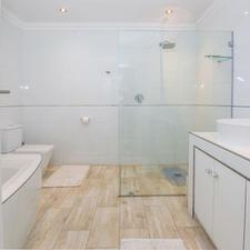 Bathroom Sam with Walk In Shower