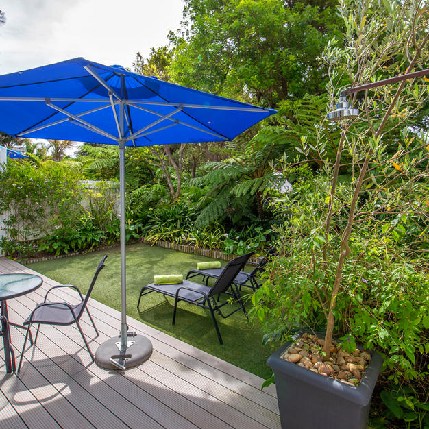 Gizmo Suite Deck & Garden.Hot & cold shower is against the wall