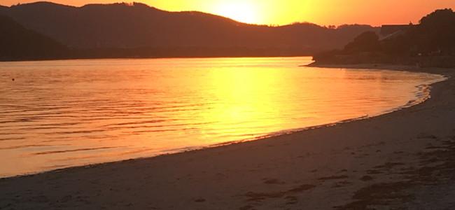 Sundowners on Bollard Beach