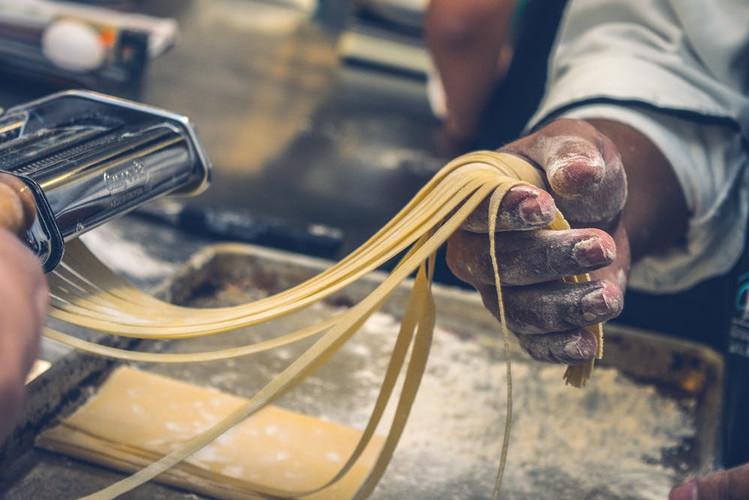 pasta making, Italian, fresh linguine