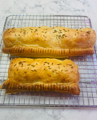 Pork, fennel seed and pepper sausage roll, puff pastry