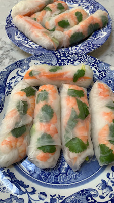 Vietnamese spring rolls with prawns, mint and rice noodles