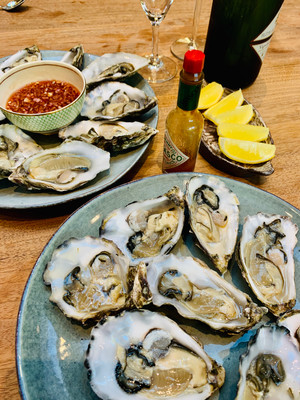 Oysters with shallot vinegar, celebration, romance, valentine, shellfish, seafood