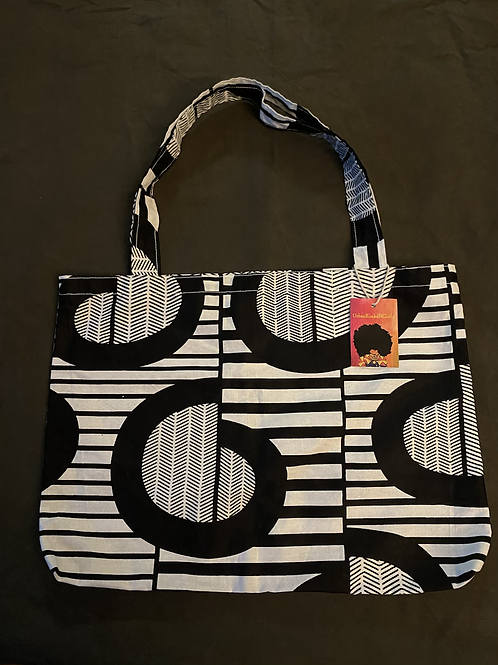 Printed Shopping Tote in Black/White