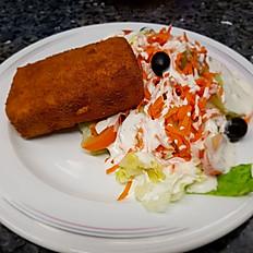 Salat mit gebackenem Schafskäse