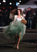 fashion-2016-03-carrie-bradshaw-running-