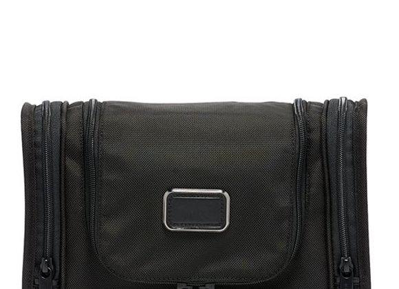 Alpha Hanging Travel Kit
