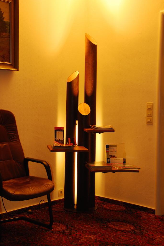 Lampe mit Ablage