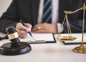 Νομιμότητα καταγγελίας συμβάσεων υπαλλήλων αθλητικής ομοσπονδίας για οικονομικοτεχνικούς λόγους