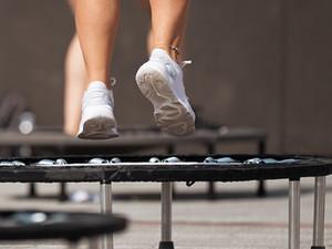 Αστική ευθύνη αθλητικού σωματείου από τραυματισμό αθλήτριας του τραμπολίνο κατά την προπόνηση