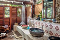 acomodação-vila-area-banho.jpg