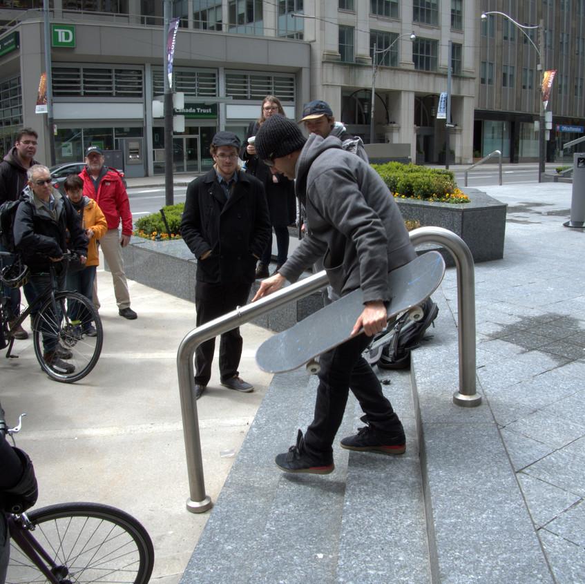 Anti-skate railings