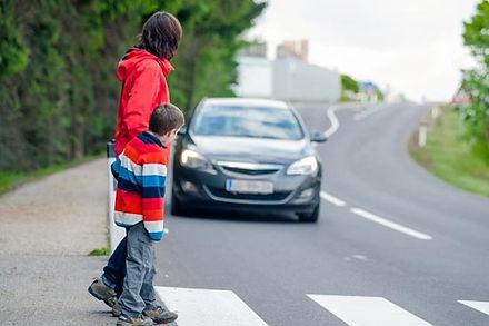 """תאונת דרכים הולך רגל  - המדריך המלא 2021 - אושיק אליהו משרד עו""""דר"""