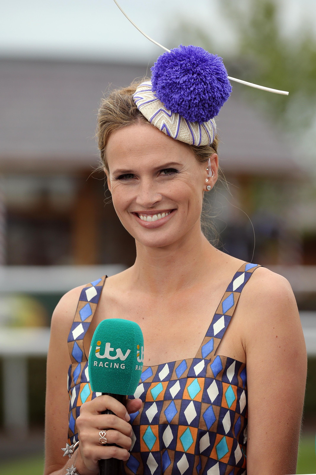 S 90 3 >> Francesca Cumani | Millinery | Chichester | ak Millinery