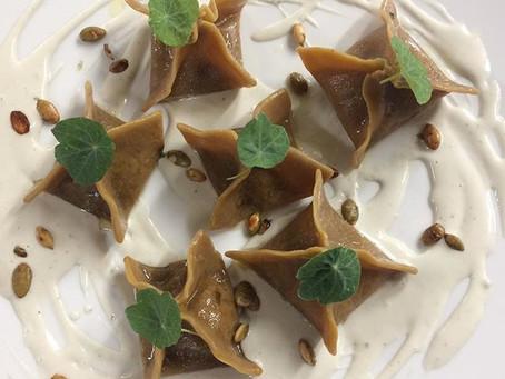 Ravioli di castagna,zucca,finferli,gorgonzola e nasturzio