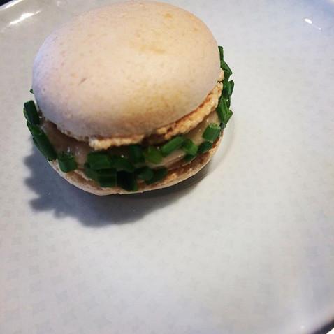 Macaron, salmone, erba cipollina__#macar