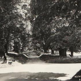 The Avenue, Nunnington