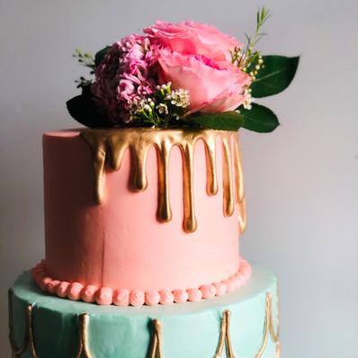 Scallop Gold Drip Cake.jpg
