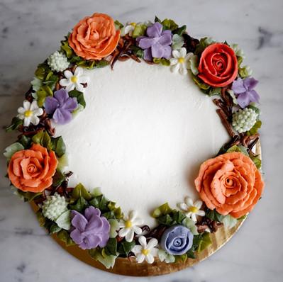 Floral Wreath Cake.jpg