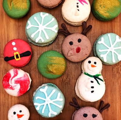 Christmas Macarons.jpg