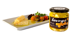 Tarro de barritas de queso de oveja en aceite de oliva