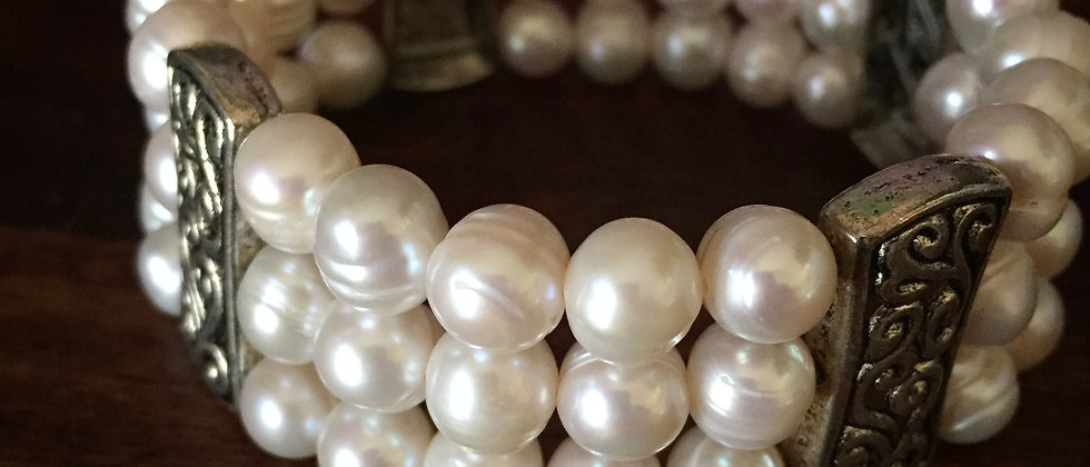 3 strand pearl bracelet